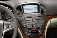 Opel Insignia sedan photo image 10