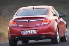 Opel Insignia sedan photo image 2