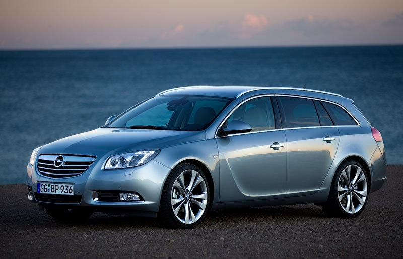 opel insignia estate car wagon 2009 2013 reviews technical data prices. Black Bedroom Furniture Sets. Home Design Ideas