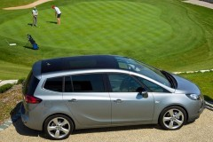 Opel Zafira minivena foto attēls 19