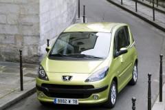 Peugeot 1007 minivena foto attēls 14