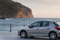 Peugeot 207 hečbeka foto attēls 19