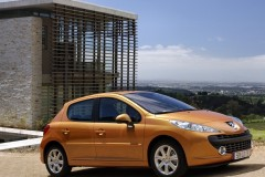 Peugeot 207 hečbeka foto attēls 20