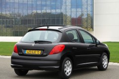 Peugeot 207 hečbeka foto attēls 4