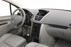 Peugeot 207 hečbeka foto attēls 6