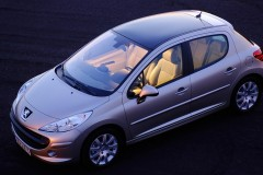 Peugeot 207 hečbeka foto attēls 7