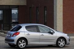 Peugeot 207 hečbeka foto attēls 21