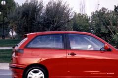 Seat Ibiza 3 durvis hečbeka foto attēls 3