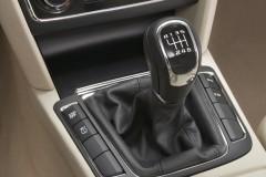 Skoda Superb sedan photo image 11