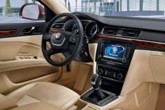 Skoda Superb sedan photo image 10
