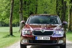 Skoda Superb sedan photo image 6