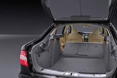Skoda Superb sedan photo image 5