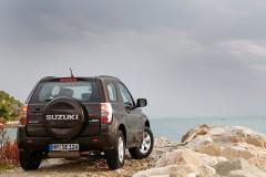 Suzuki Grand Vitara photo image 11