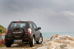 Suzuki Grand Vitara 3 door photo image 2