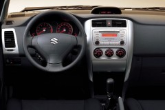 Suzuki Liana sedan photo image 2