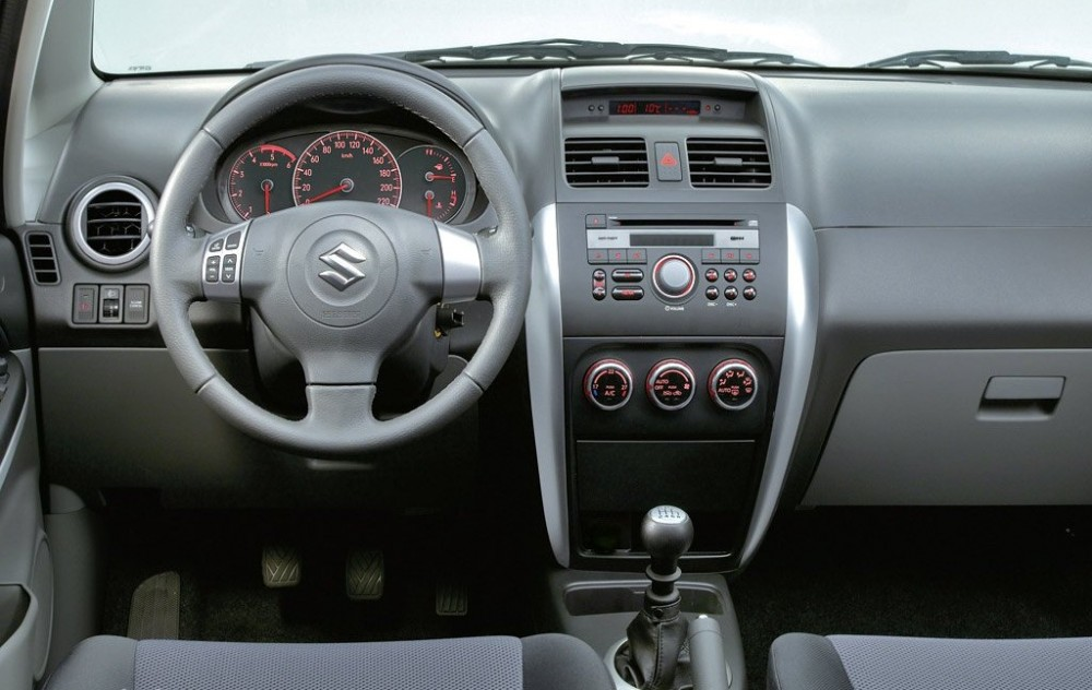 Suzuki SX4 2006 - 2010 reviews, technical data, prices