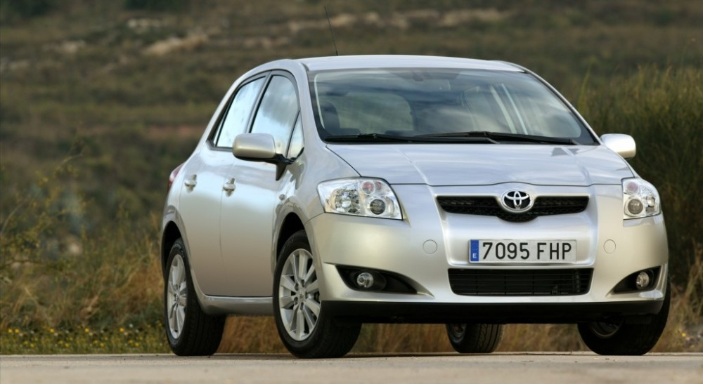toyota auris hatchback 2007 2010 reviews technical data. Black Bedroom Furniture Sets. Home Design Ideas