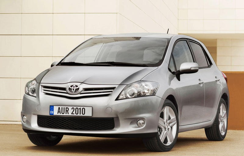 toyota auris hatchback 2010 2013 reviews technical data. Black Bedroom Furniture Sets. Home Design Ideas