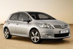 Toyota Auris hečbeka foto attēls 2