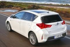 Toyota Auris hečbeka foto attēls 15