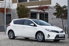Toyota Auris hečbeka foto attēls 17