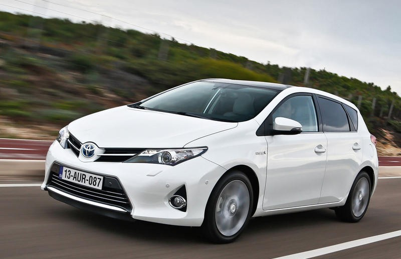toyota auris hatchback 2013 reviews technical data prices. Black Bedroom Furniture Sets. Home Design Ideas