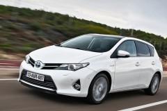Toyota Auris hečbeka foto attēls 1