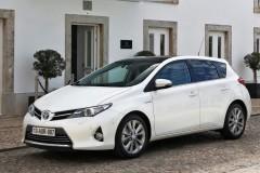 Toyota Auris hečbeka foto attēls 4