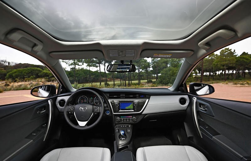 toyota auris hatchback  reviews technical data prices