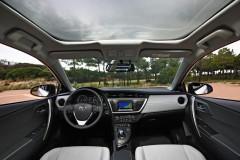 Toyota Auris hečbeka foto attēls 11