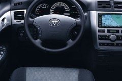 Toyota Avensis Verso minivan foto 4