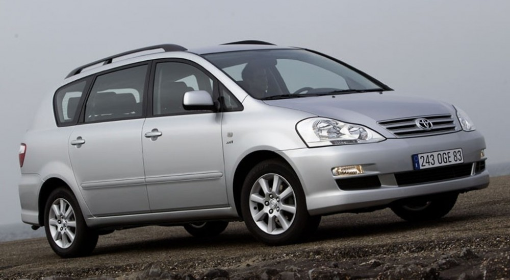 toyota avensis verso minivan mpv 2003 2006 technical data prices. Black Bedroom Furniture Sets. Home Design Ideas