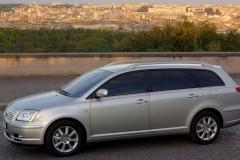 Toyota Avensis Wagon T25 estate car photo image 1