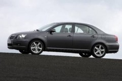 Toyota Avensis sedan photo image 15