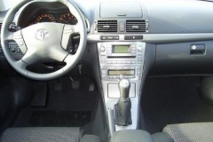 Toyota Avensis sedan photo image 19