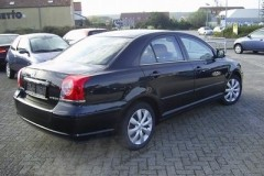 Toyota Avensis sedan photo image 21