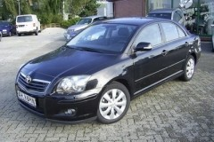 Toyota Avensis sedan photo image 7