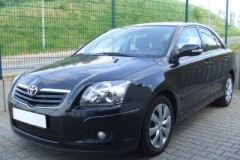 Toyota Avensis sedan photo image 10