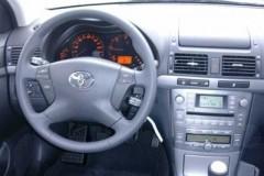 Toyota Avensis Wagon T25 estate car photo image 14