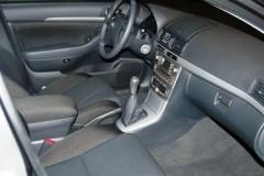 Toyota Avensis Wagon T25 estate car photo image 12