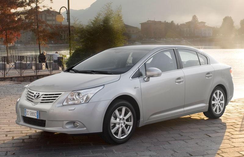Toyota Avensis 2009 foto attēls