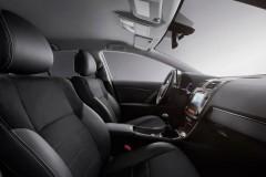 Toyota Avensis sedana foto attēls 13
