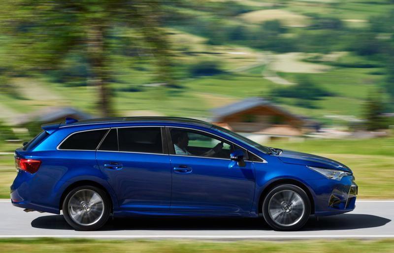 toyota avensis wagon estate car / wagon 2015 - reviews, technical