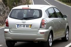 Toyota Corolla Verso minivan photo image 1