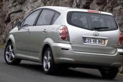 Toyota Corolla Verso minivan photo image 9