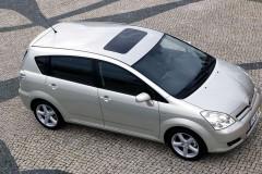 Toyota Corolla Verso minivan photo image 6