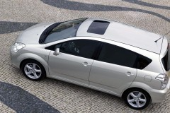 Toyota Corolla Verso minivan photo image 5