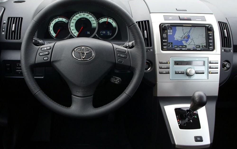 Toyota Corolla Verso Minivan Mpv 2004 2007 Reviews