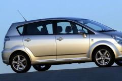 Toyota Corolla Verso minivan photo image 3