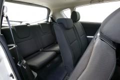 Toyota Corolla Verso minivan photo image 2